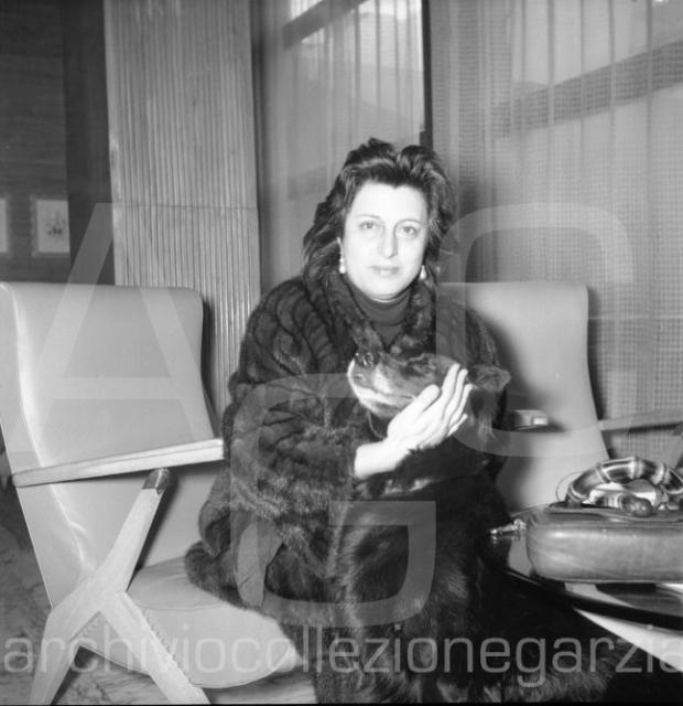 anna magnani 1954-007 W